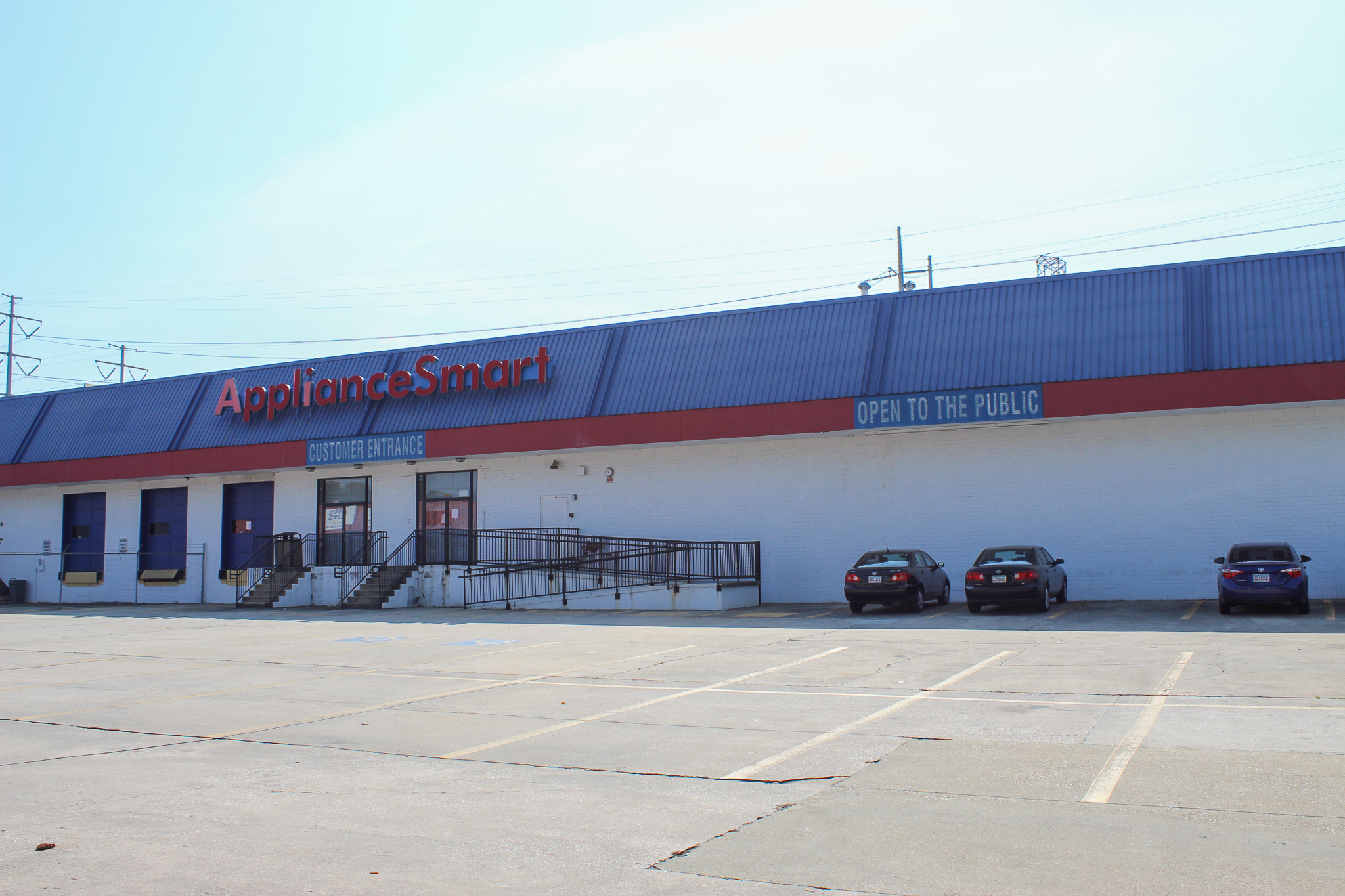 Warehouse/Showroom Space for Lease